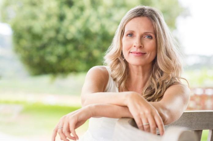 All about Menopause When How It Begins, Signs Symptoms, What You Have To Do.