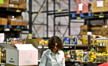 4 Retail Industry Jobs That Will Suit Anyone