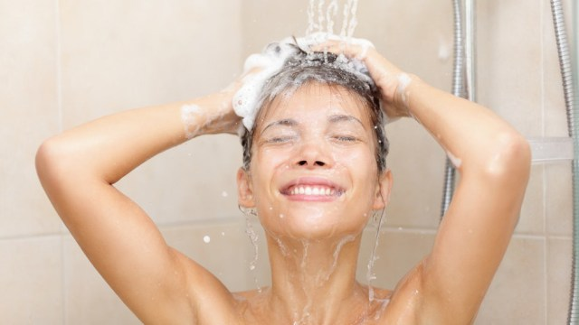 Tips and Tricks for Healthier Hair When Leaving the Shower