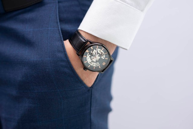 How to Buy Luxury Watch Models from Authentic Watch Dealers