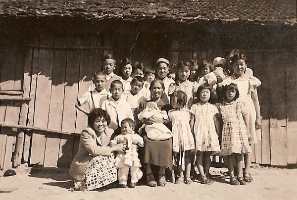 Masa Sato e todos os netos, Sorocaba, anos 40