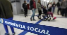 Fatiar para passar: golpistas assumem a estratégia para aprovar reforma da previdência em partes
