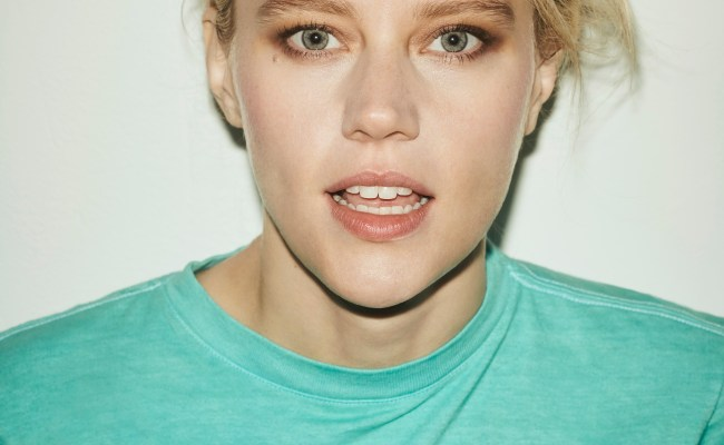 Kate Mckinnon Answers Odd Questions From Her Famous Friends
