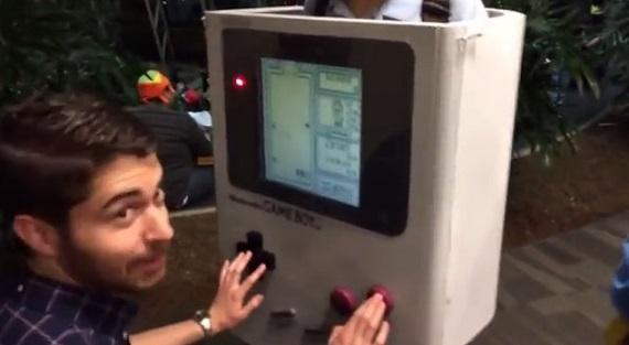 Descubre el mejor disfraz de la historia, el de Game Boy Classic jugable