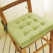 I cuscini sono studiati per essere usati ovunque, ma conservali in casa. Cuscini Copri Sedia