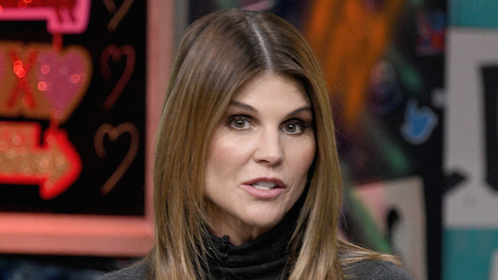 Lori Loughlin S Courtroom Sketch After Arrest See Pics