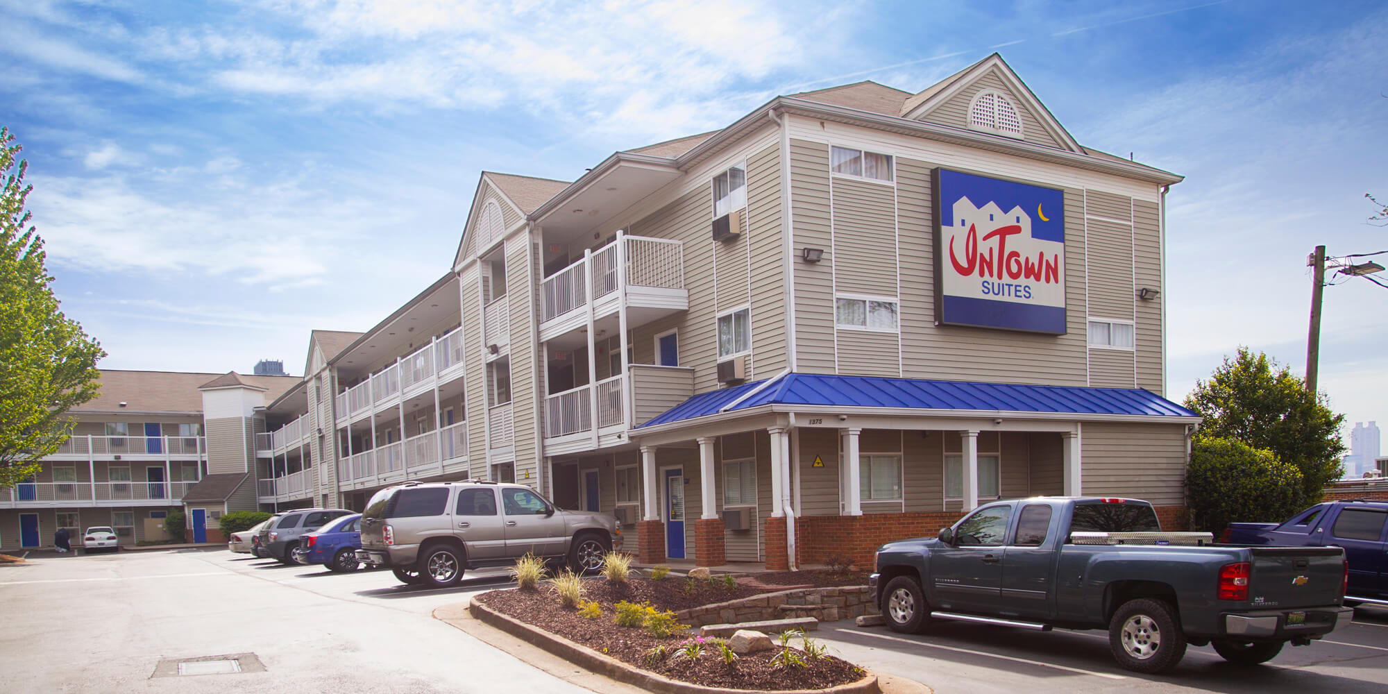 hotels with kitchens in atlanta ga kitchen sink hose weekly rate hotel intown suites extended stay property