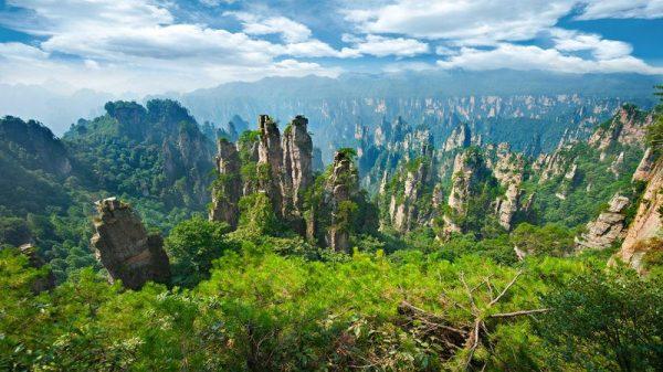 6 surreal landscapes explore
