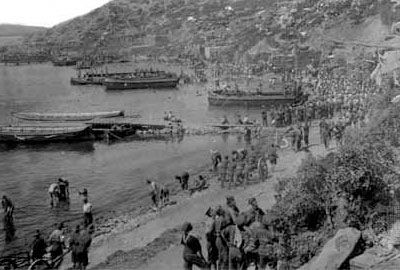 Taking position on the shore at Gallipoli