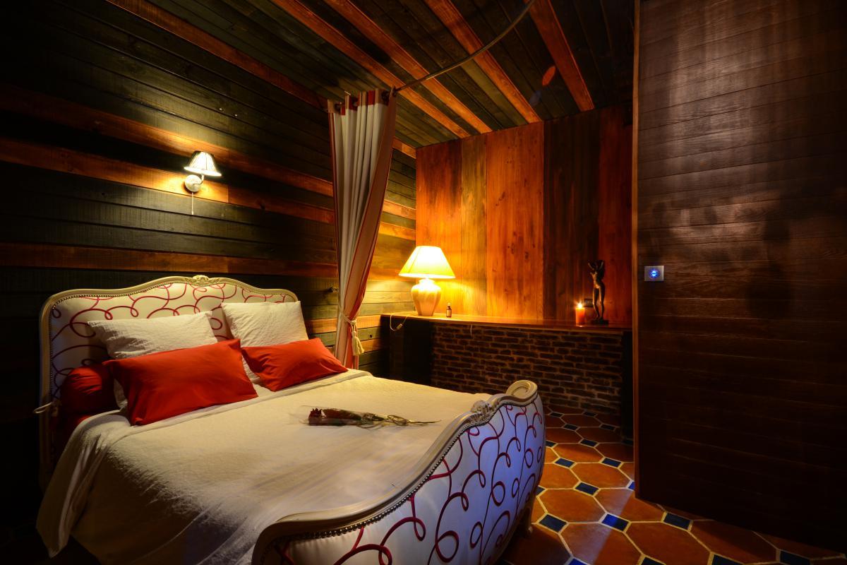Louer chambre romantique  Lille avec jacuzzi hammam chemine et billard  Introuvable