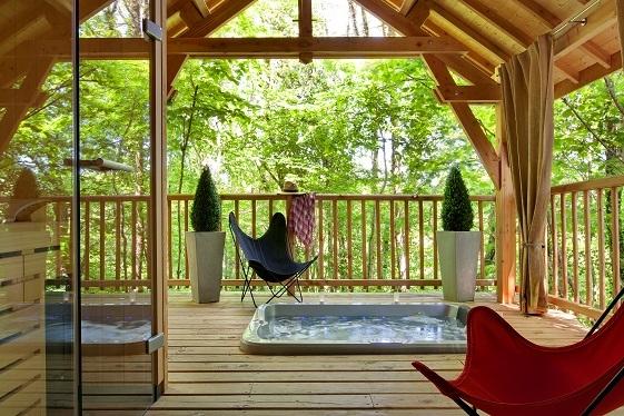 Cabane de luxe sur pilotis avec jacuzzi et sauna privatif Corrze  Introuvable