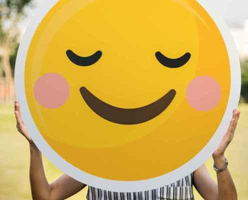 Se tornar extrovertido torna um introvertido mais feliz?