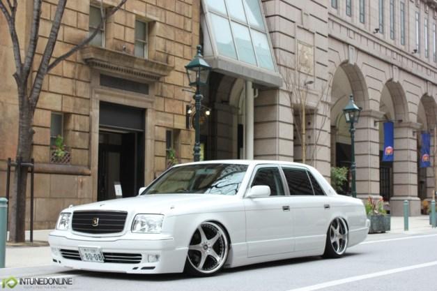 https://i0.wp.com/www.intunedonline.com/wp-content/uploads/2013/06/VIP.Toyota.Century.Japan_.18.jpg?w=627
