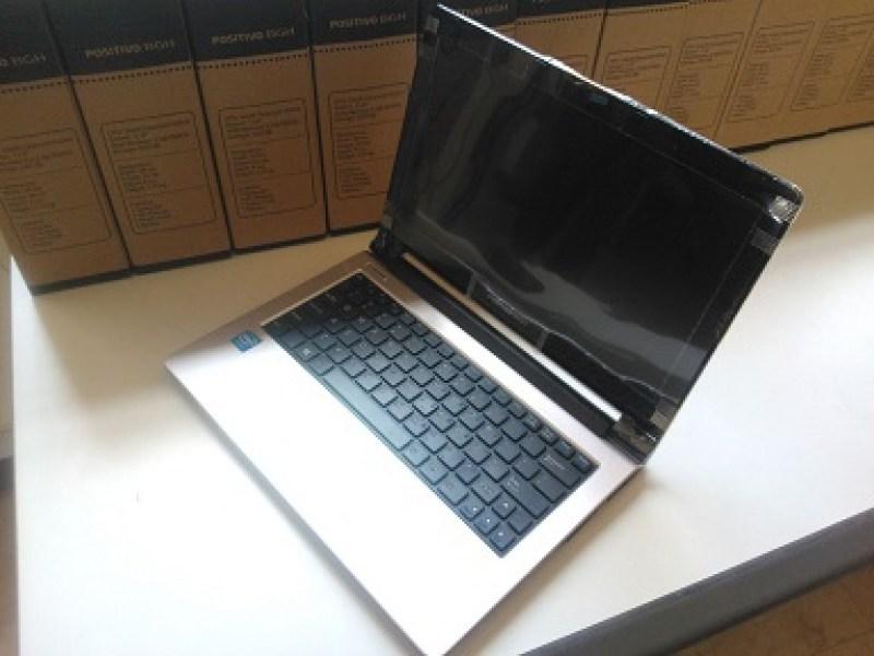 Laptop Positivo zakorewe mu Rwanda.