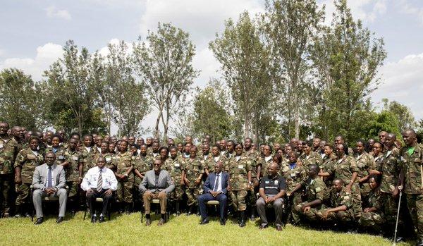 Perezida Paul Kagame ari kumwe na Nyobozi na Njyanama i Gabiro.