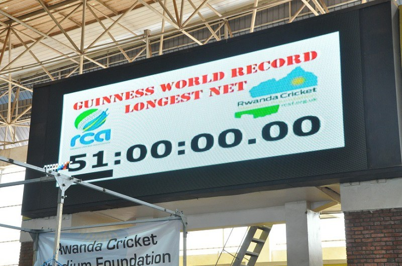 Agahigo k'amasaha 51 muri Guinness World Record gafitwe ubu n'umunyarwanda Eric Dusingizimana.