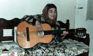 صورة نادرة للمرحومة بقار حدة في بيتها بعنابة