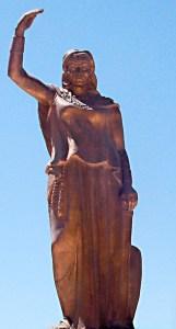 Statue de la reine Dihya à Baghaï