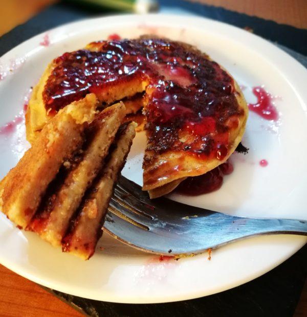Pancake proteici senza uova e latte