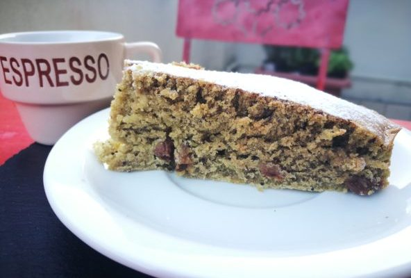 torta con semi di papavero e thè matcha