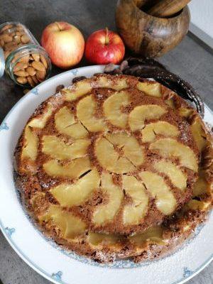 Torta di mele e carrube