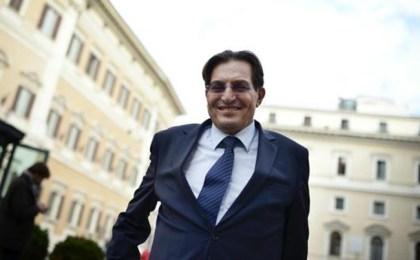 Sapete perché in Sicilia paghiamo le 'addizionali'? Perché siamo governati da servi!