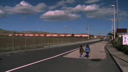 Soldi (pochi) ai Comuni che accolgono migranti e nuove polemiche sul CARA di Mineo