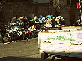 Palermo: il Comune non svuota i cassonetti dei rifiuti? Ai cittadini spetta l'abbattimento della TARI