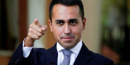 Perché con la mossa dei Ministri Di Maio sta 'mettendo nel sacco' Berlusconi, Renzi e D'Alema