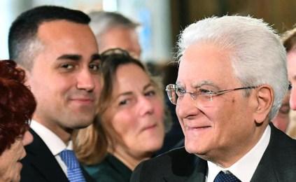 Le 'acrobazie' dei grillini: in Sicilia con Don Rodrigo, a Roma con l'Innominato...