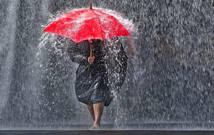MATTINALE 48/ A Palermo la pioggia fa quello che la RAP non fa: ripuliti marciapiedi e strade