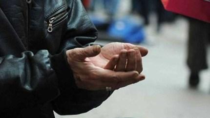 MATTINALE 53/ La politica da accattoni: 'cantieri di lavoro' e Palermo che si svuota