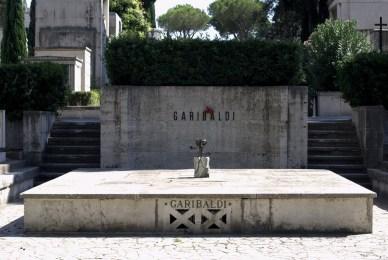 Anniversario della morte di Garibaldi. Del perché la storia (soprattutto se falsa) la scrivono i vincitori