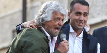 Flat tax, 'pace fiscale',secessione dei ricchi: come fanno Grillo e Di Maio a non accorgersi che Salvini li sta gabbando?