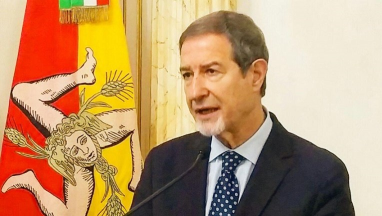Sbarchi dei migranti in Sicilia: il presidente Musumeci finalmente mette in  mora Roma (VIDEO)/ MATTINALE 481 - I Nuovi VespriI Nuovi Vespri
