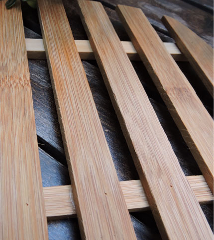 Foto 2 - Posa fuente de bamboo, acercamiento a la madera.