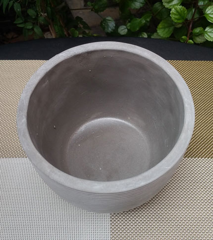 Maceta cemento rayada - Foto superior - Tamaño 15 cm diámetro