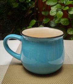 Foto 1. Taza ceramica retro celeste