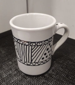Foto 1 - Taza ceramica pintada a mano - Diseño cinta