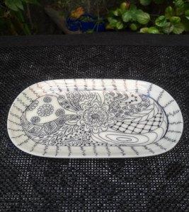 Foto 2 - Plato ovalado - Pintado a mano - Diseño flores y formas