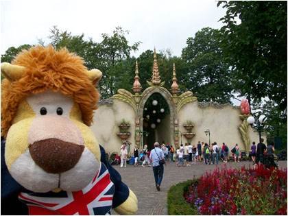 Alex Goes To The Efteling 5