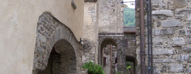 La frazione di Corchia offre un raro esempio di nucleo medioevale quasi inalterato. Uno, dieci, […]