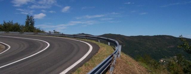 Il passo del Tomarlo è uno dei valichi più alti di tutto il nord Appennino. […]