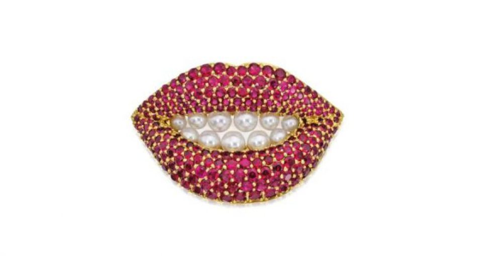 Pearl and ruby brooch in the shape of a pair of lips
