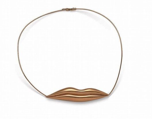 18 carat gold necklace in the shape of a pair of lips by Man Ray
