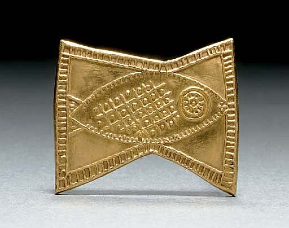 23 carat gold brooch with fish motif