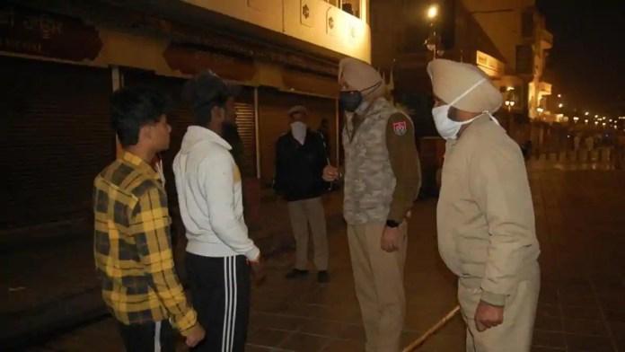 amritsar night curfew patrol 12759c02 3bb1 11eb a009 0890d22b9c96