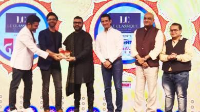 rsz receiving award