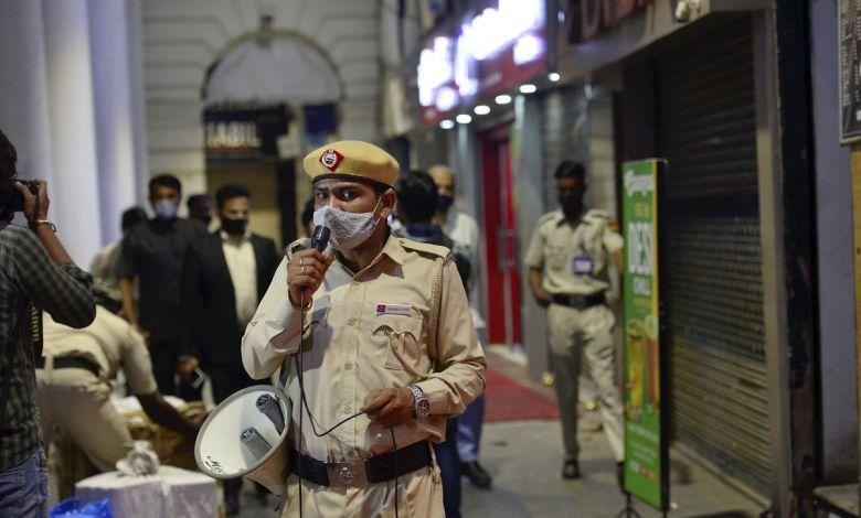 delhi covid night curfew pti