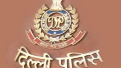 moral policing by delhi police